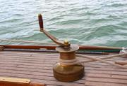Bronze windlass on an oldtimer wooden yacht - Bronze windlass